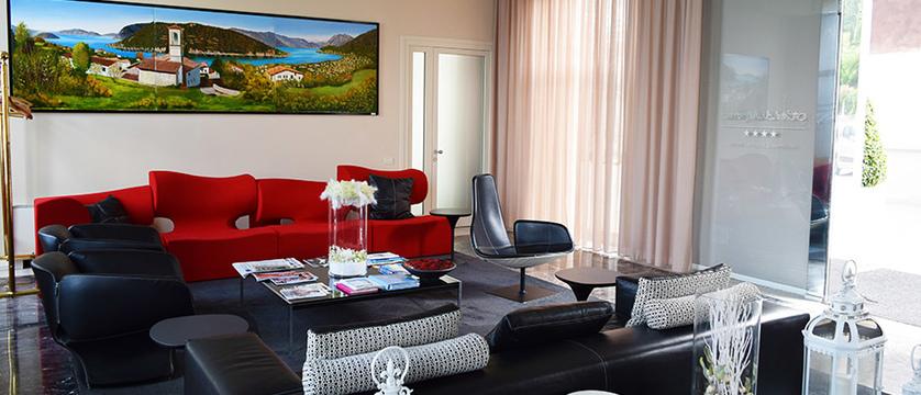 Araba Fenice Lounge.jpg